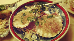 Steamed scallops with glass noodle