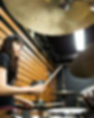 Weiblicher Schlagzeuger