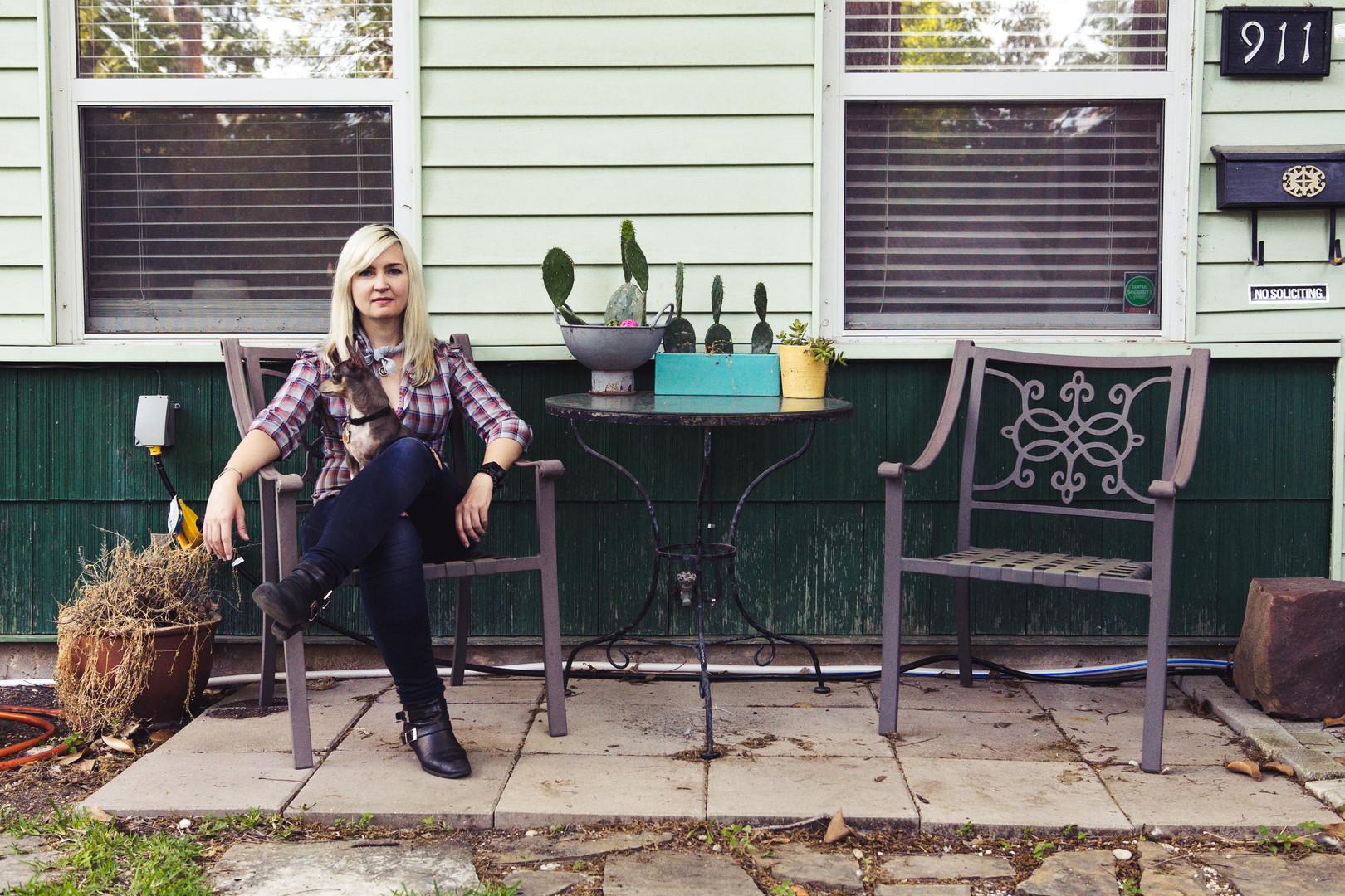 Leslie Sisson by Kate Bla