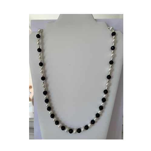 Black Agate & White Shell necklace