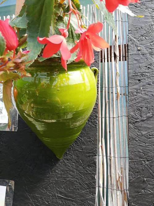 Glazed teardrop pot - green