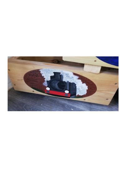 Wooden trough - Train