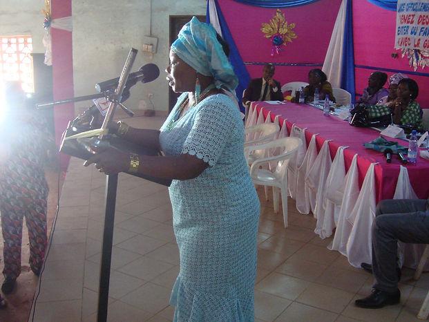 la présidente de l'ONG