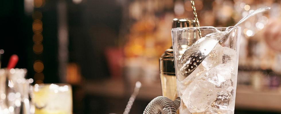 Bar Devils beste Cocktails mixen barmann Standparty