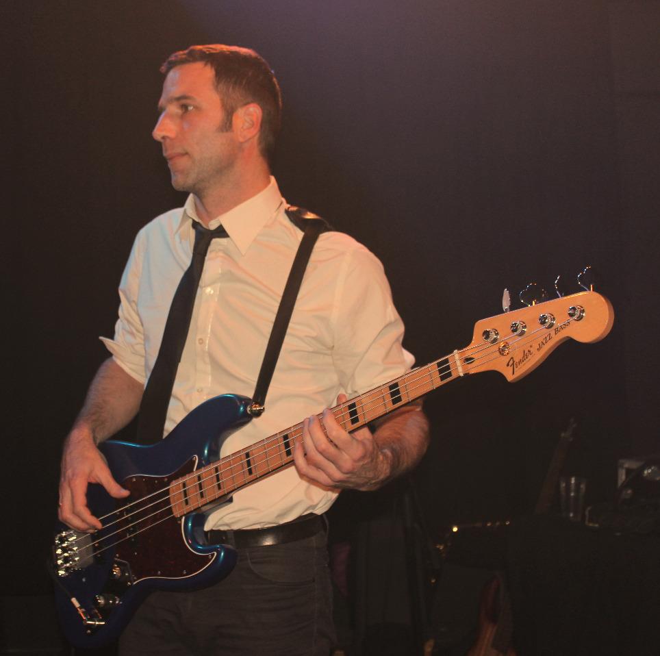 Nicky Preston et sa Fender Jazz