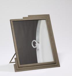 Miroir en métal signé DESNY