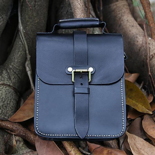 Creative design handmade full-grain cow leather shoulder bag