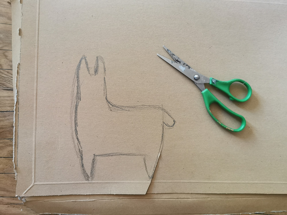 Draw the llama onto your card in pencil