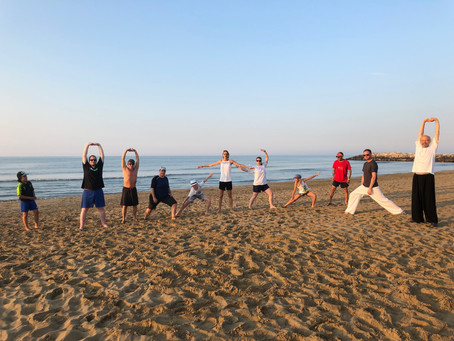 Sommerferien am Strand mit Training