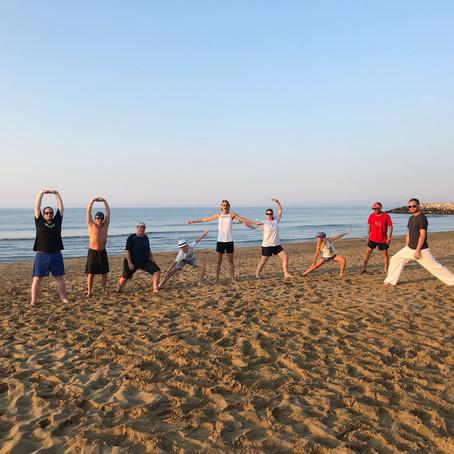 Sommerferien am Strand mit Training