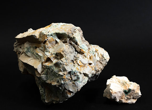 Large And Small Wavelite Rough Rock Specimen