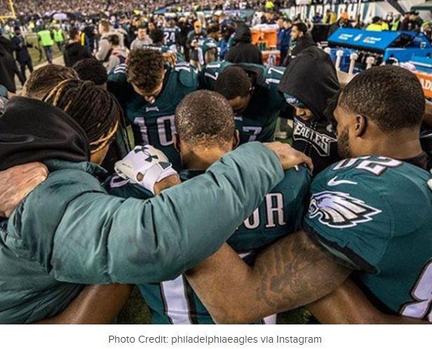 Eagles praying - an inspiring team!