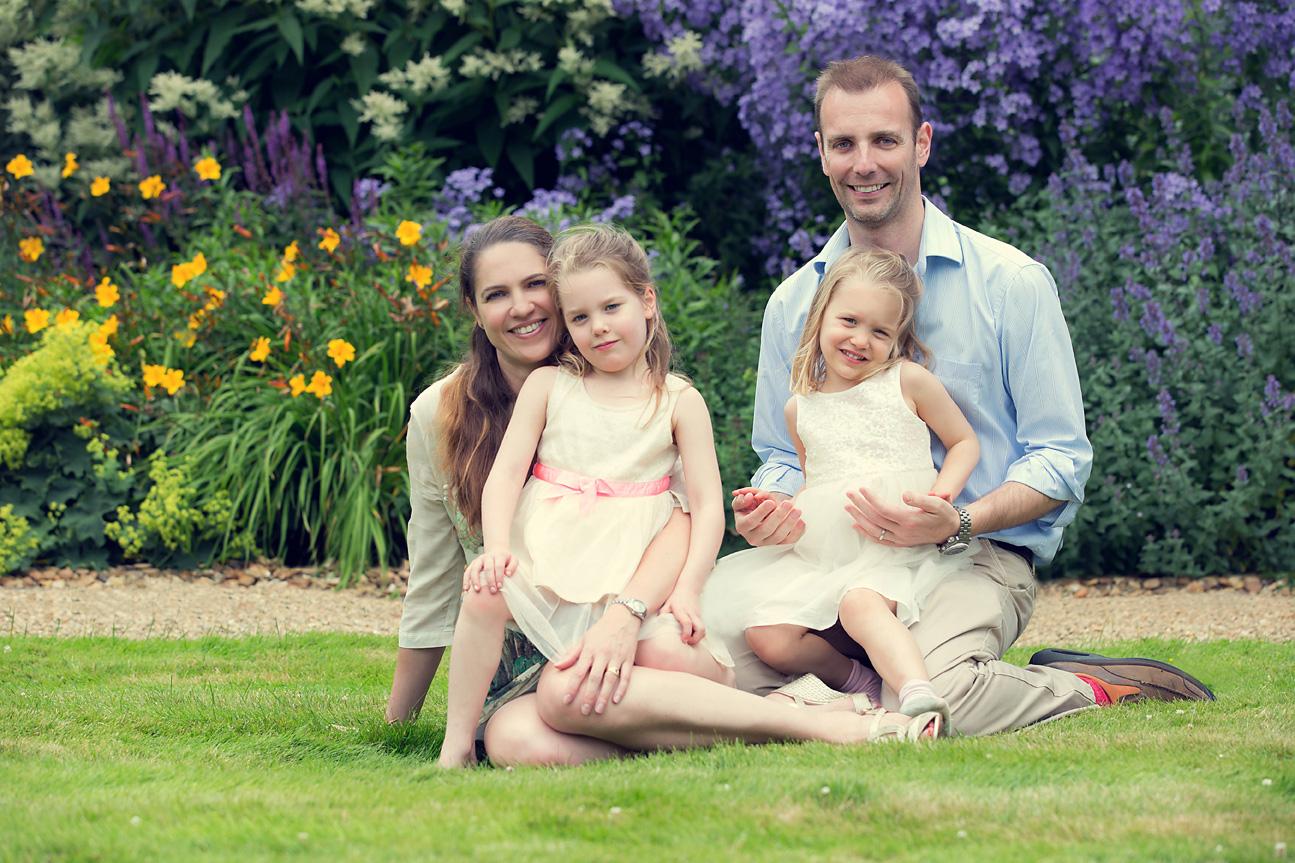 Family Photo in Beautiful Gardenn