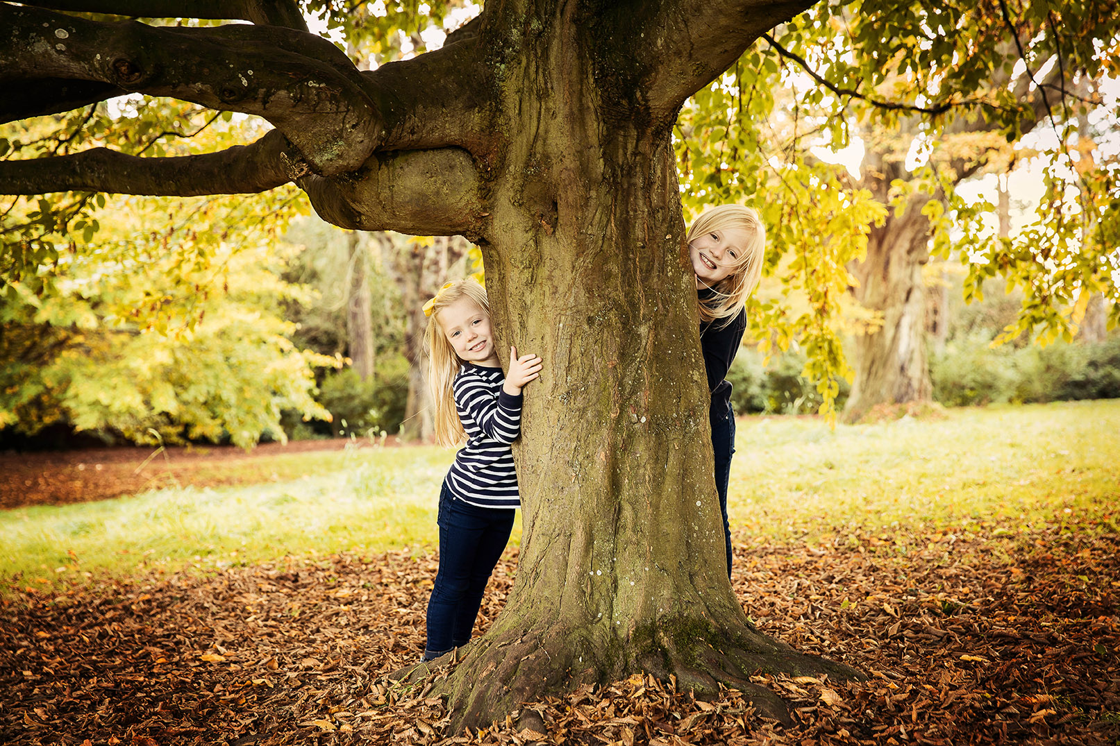 Girls behind tree Waddesdon Manor