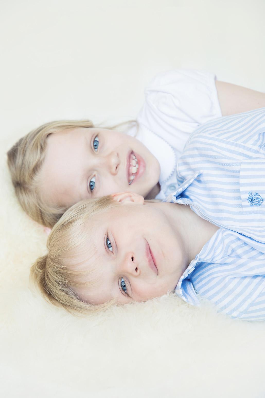 Siblings Henley