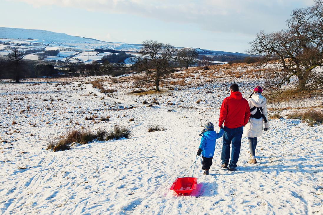 Family Photo scotland in the snow