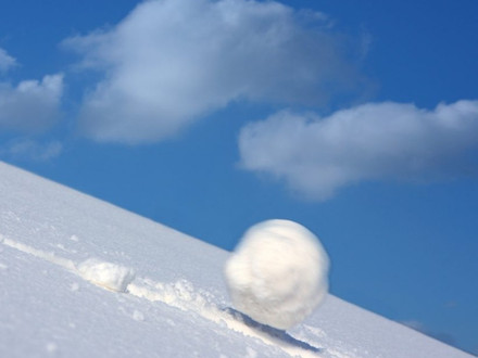 Snowball vs Avalanche: Which is best for debt reduction?