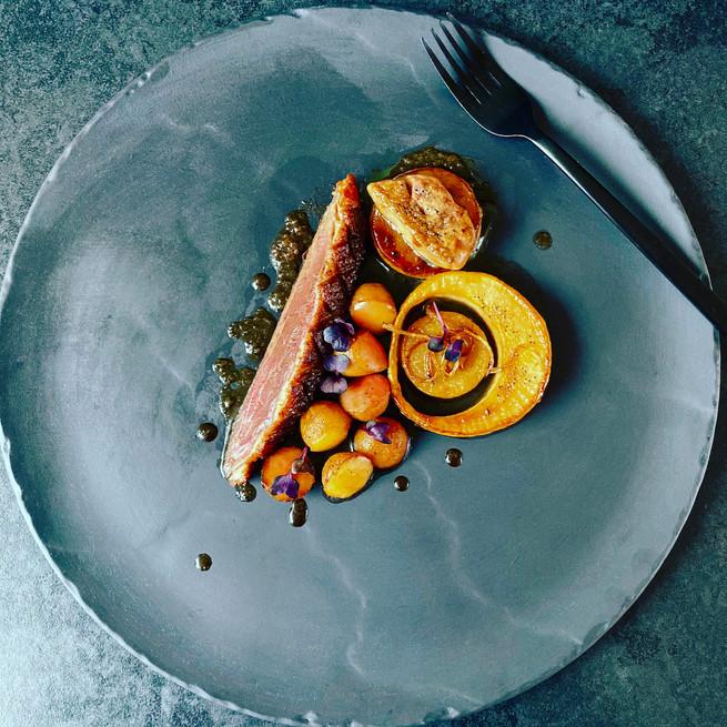 Magrets de canard poêlés au miel d'oranger et foie gras