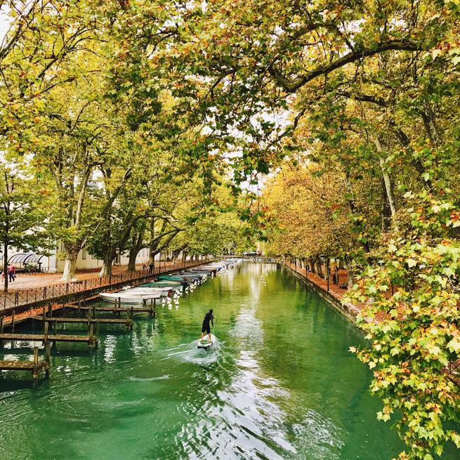 Les canaux du lac d'Annecy