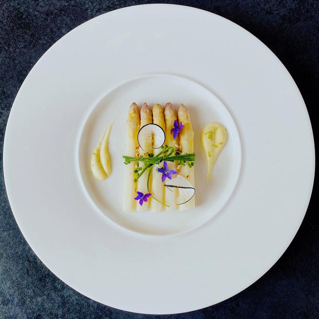 Asperges blanches sauce mousseline au citron