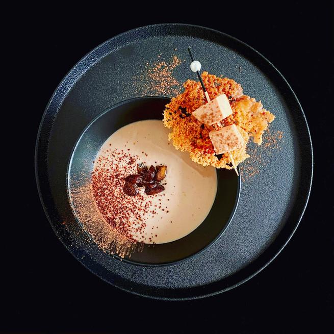Velouté de châtaigne au foie gras, cacao