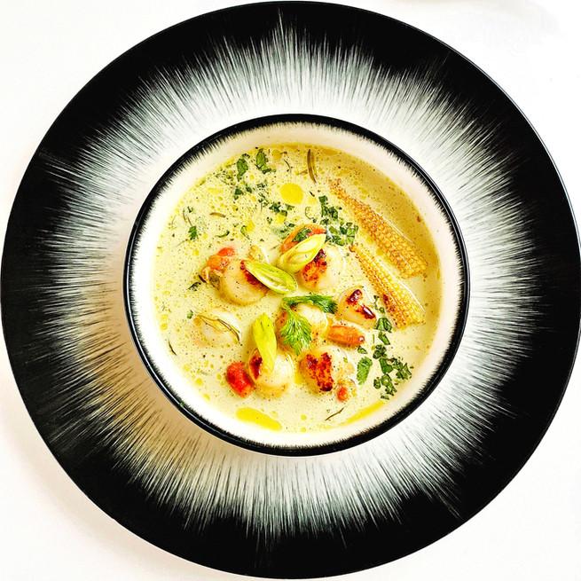 Soupe thaï de St Jacques et queues de crevettes au curry vert