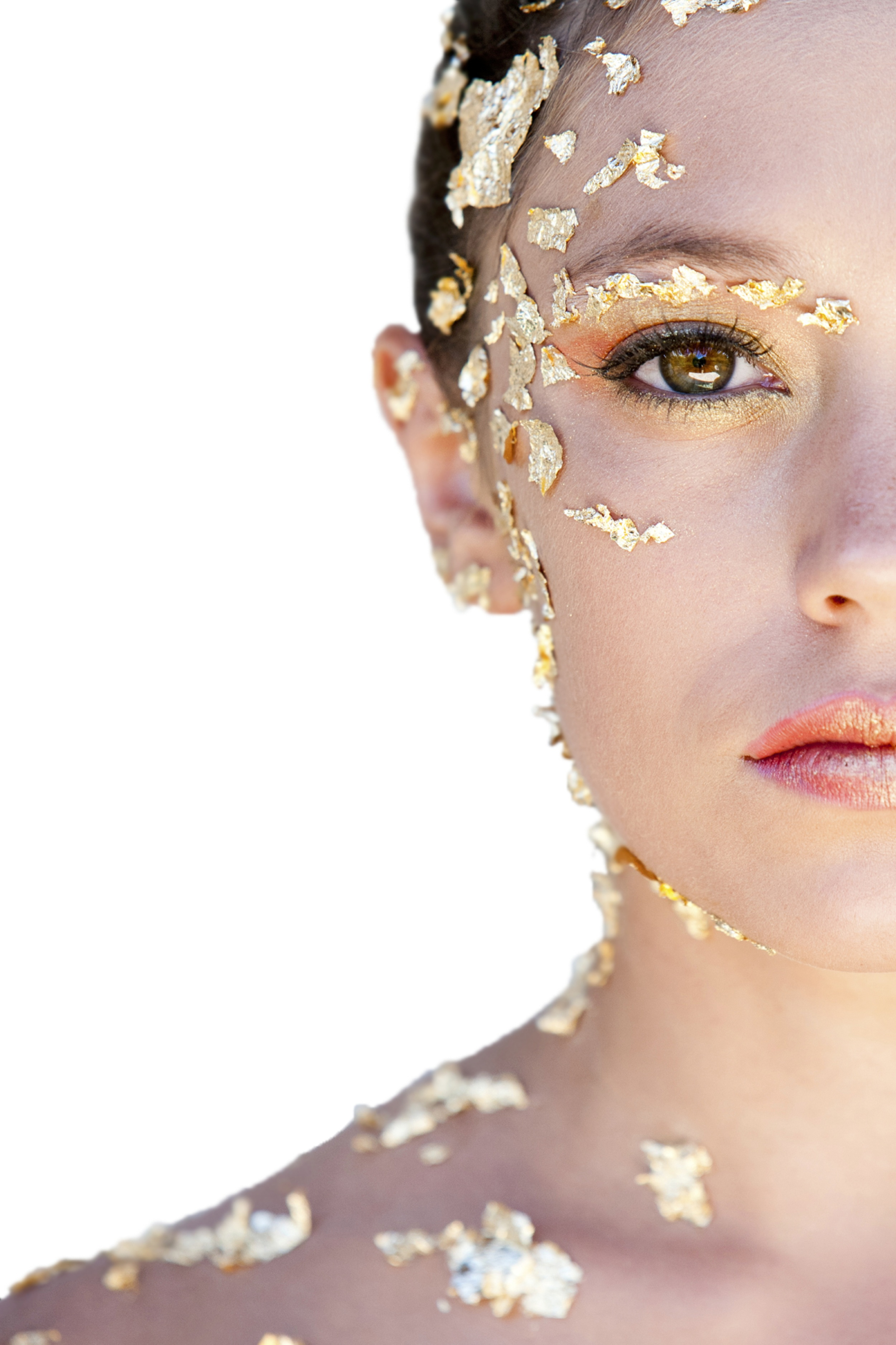 Maquillage artistique feuilles d'or