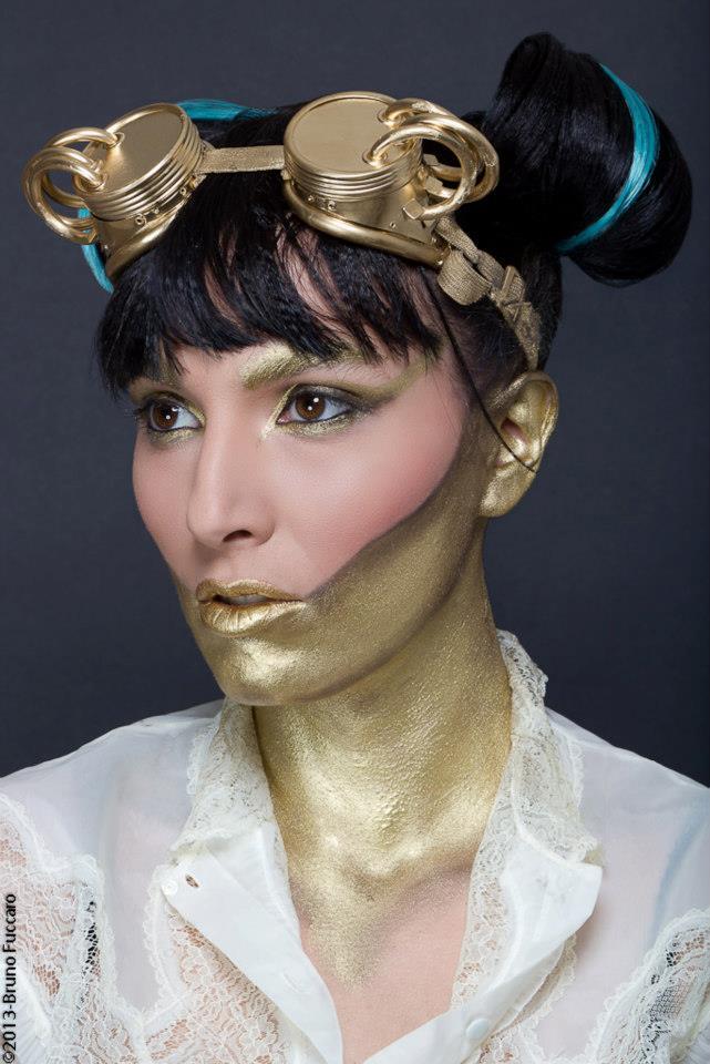 Maquillage artistique Steampunk doré