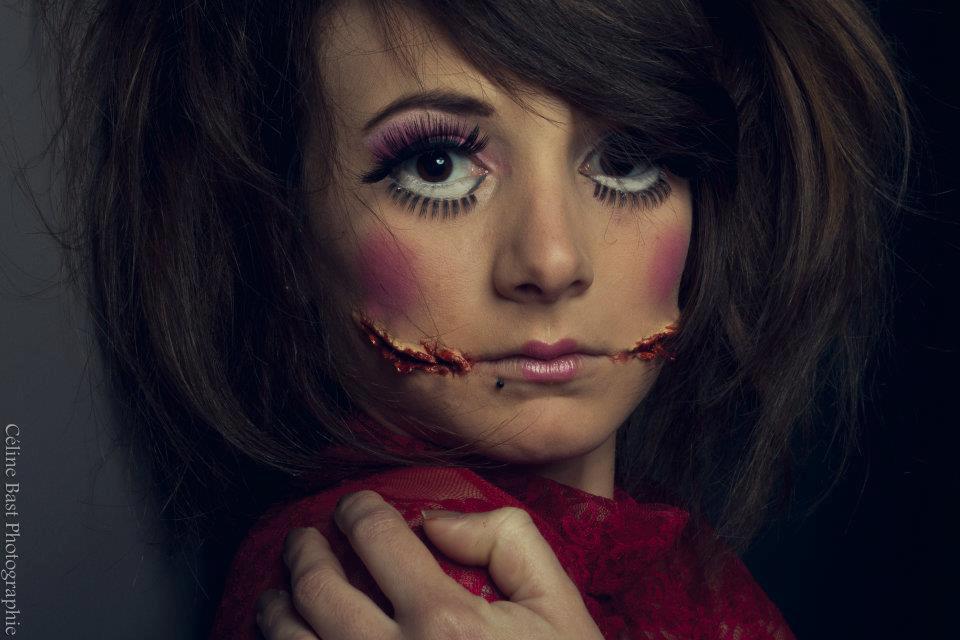 Maquillage effets spéciaux poupée