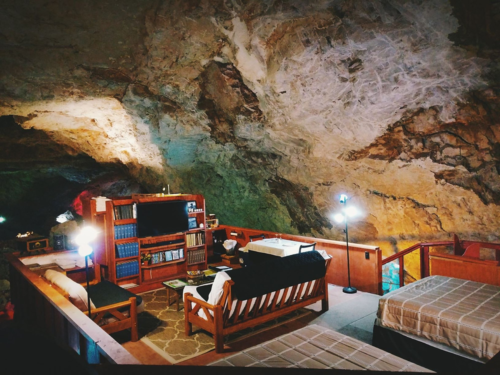 Underground hotel suite in Arizona