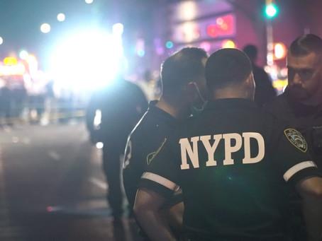 Двое полицейских ранены в результате нападения в Бруклине (ВИДЕО)