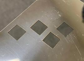レーザーマーカーでステンレスの薄板(0.3mm)を切断