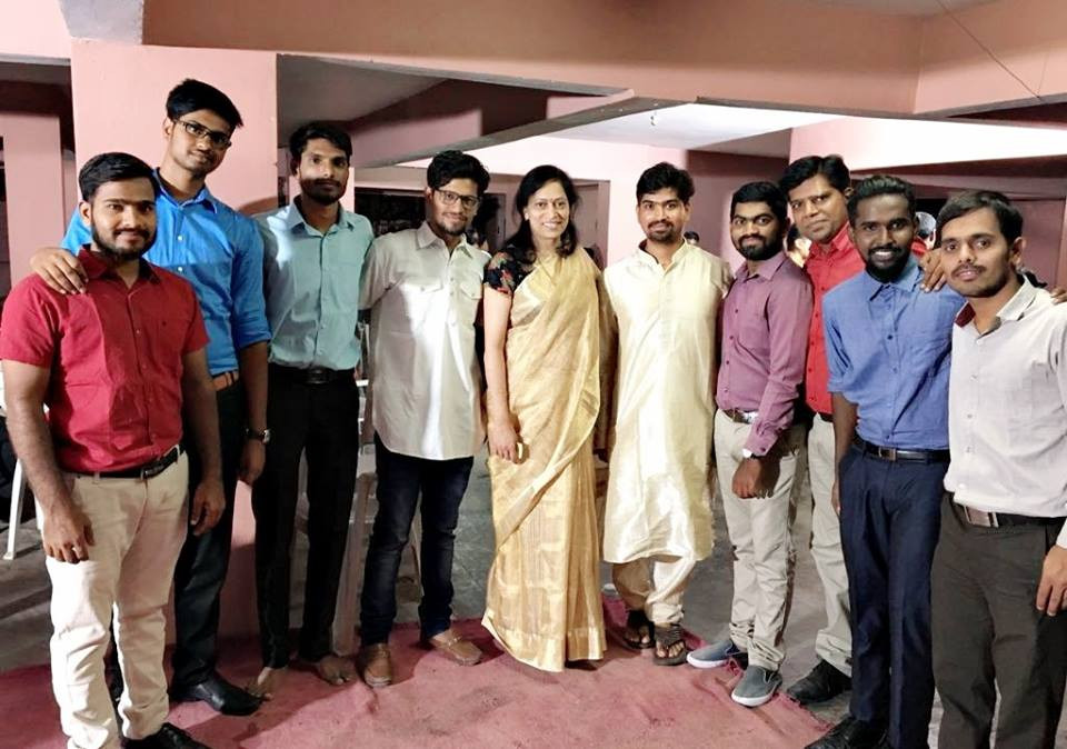 Kranthi celebrates new home with friends and Amma