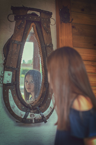 Amina, communie/lentefeest foto
