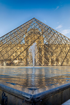 Louvre, piramide