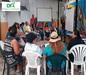 Talleres formativos para líderes comunitarios