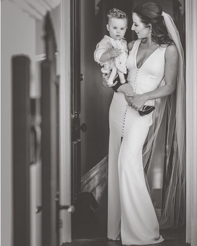 Congratulations to this beautiful Mama _asha_crawf9  who married over the weekend in her Berlin gown