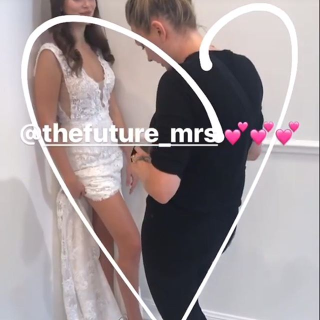 The very essence of _marquisebridal right here with a little bit of leg action and whole lotta sexy