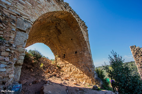 Hiking trail in Nahal Kaziv and Monfort Fortress