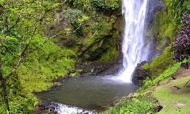 viento-fresco-waterfall.jpg
