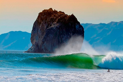 Witches-Rock-Costa-Rica-wave.jpg