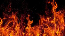 Diamante, incendio in abitazione: ferito un uomo