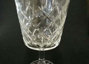 WINE GLASS CRYSTAL LOOK