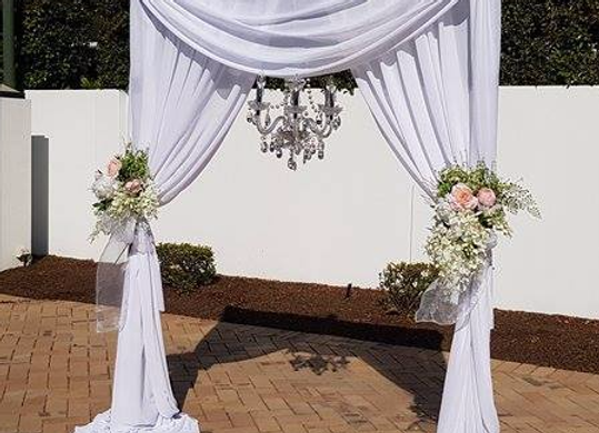 2 Leg Arbour - Chiffon Draping White with swag