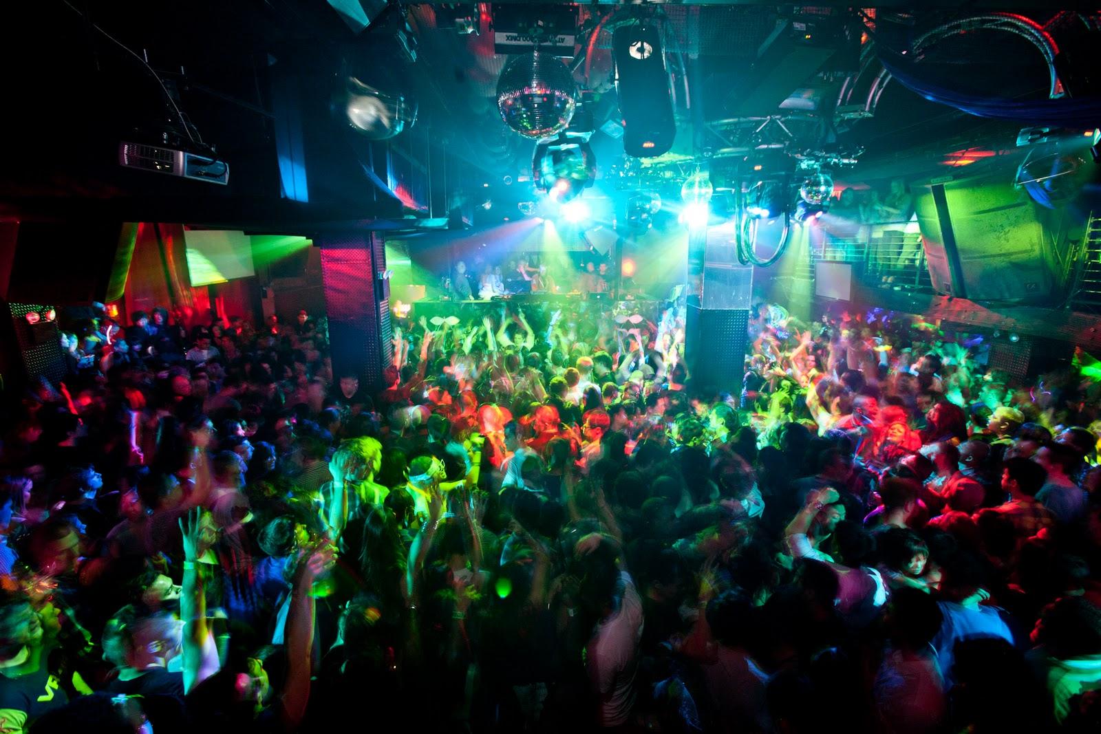 Nightclubs & Bars