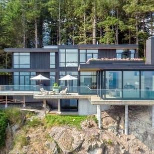 Cliffhanger House