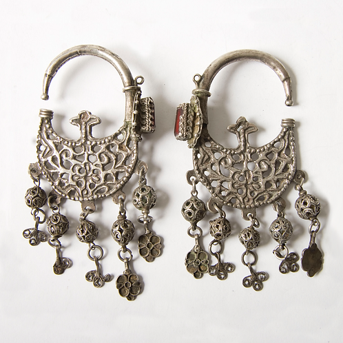 Moroccan antique earrings from Ait Ouaouzguit. Khrab - collectors item