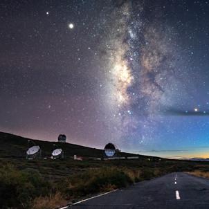 Milchstraße am Ende der blauen Stunde