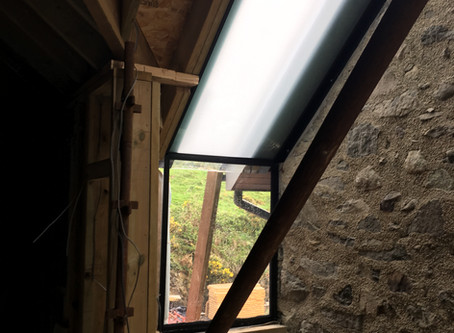 Estyniad i dŷ wal cerrig   Stone wall house extension
