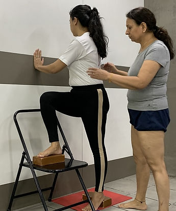 New-to-Iyengar-yoga.jpg